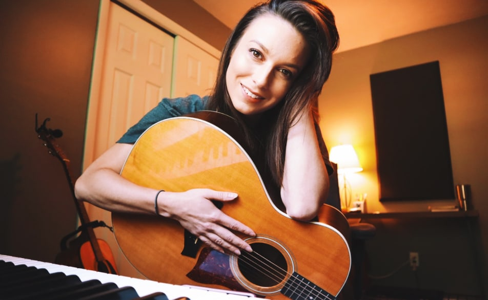 Meet Sarah Spencer: Nashville based Singer/Songwriter, and host of Song Club.
